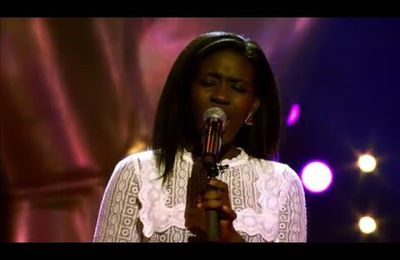 "[The Voice van Vlaanderen] Sandra Bakuku chante ""Let it go"""