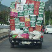 Chargement de matières inflammables ? - Vu sur la route (20-12) - Noy et Gilbert en Thaïlande