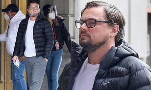 Leonardo DiCaprio est tout au sujet du confort dans les sweats et les pantoufles alors qu'il se rend au travail pour filmer Don't Look Up à Boston