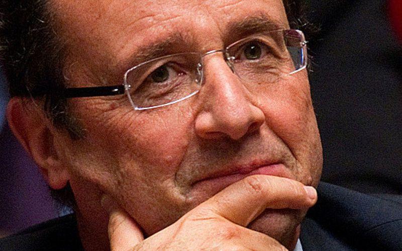 François Hollande : une loi visant à empêcher la fermeture des sites rentables