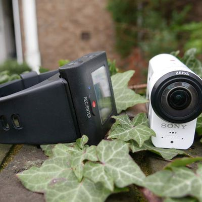 The Sony FDR-X1000V 4K Action Cam with Live View Remote Bundle