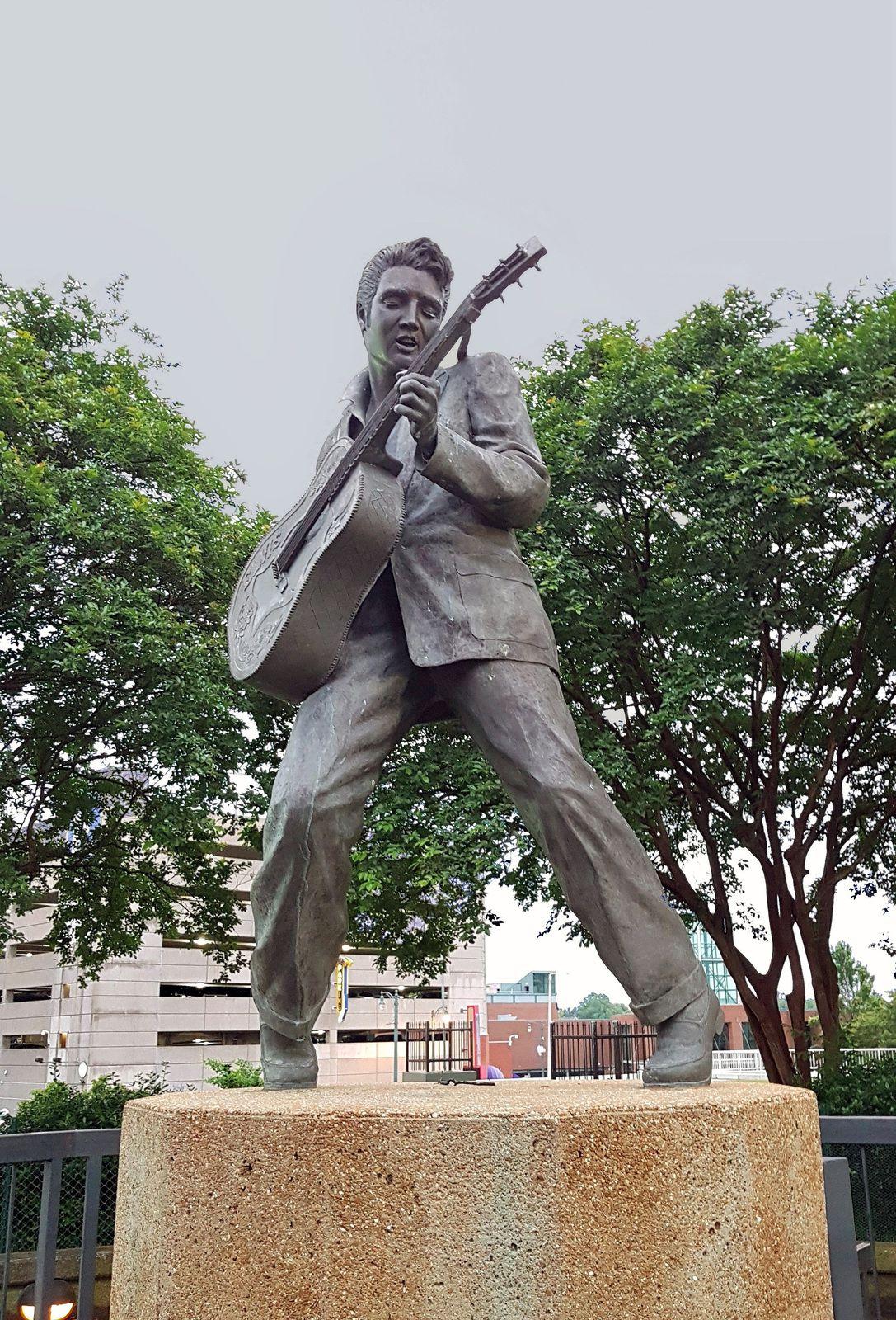 Memphis statue d'Elvis
