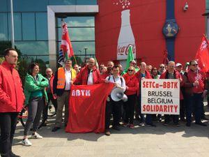 Manifestation devant le siège Belge de Coca-Cola Européan Partner