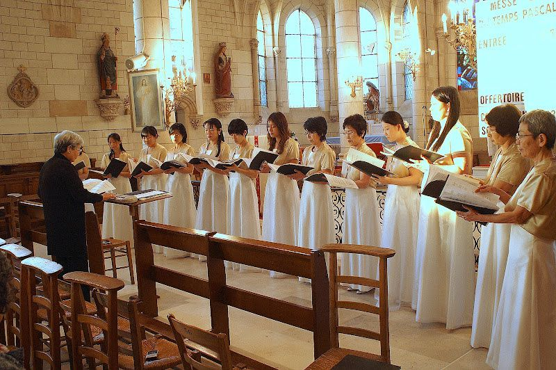 Chant grégorien et polyphonies sacrées par le Choeur des étudiantes de l'Université du Sacré-Coeur de Tokyo direction : Hiroko Watanabe