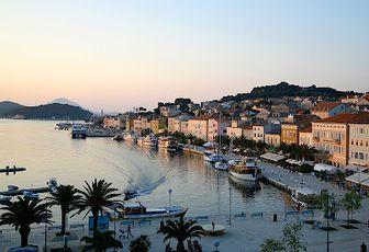 Lussino (Losinj): vacanze nell'isola della Croazia. Spiagge del Quarnero