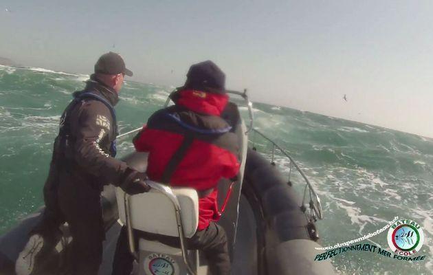 Sécurité - une formation de pilotage par mer formée, en Bretagne Sud, avec OLM Permis Bateau