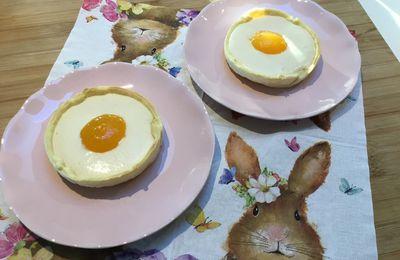 """Tartelettes de Pâques façon """"oeufs au plat"""""""