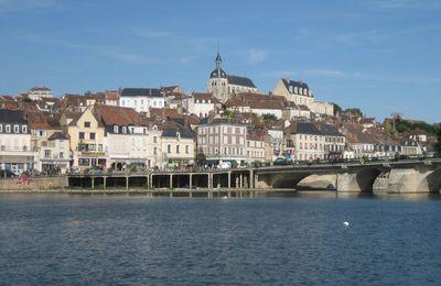 Joigny, une cité médiévale sur les bords de l'Yonne à visiter