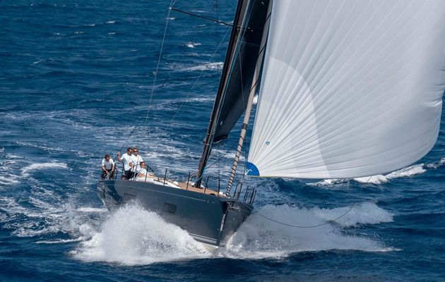 Scoop - first photos of the new Benéteau First Yacht 53