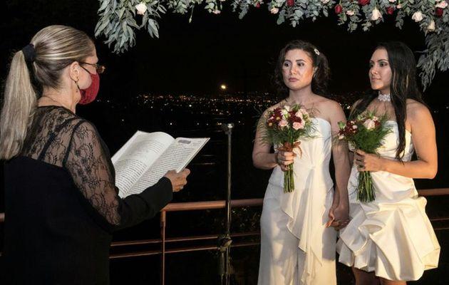 El coronavirus no detiene al amor: Costa Rica realiza matrimonios igualitarios