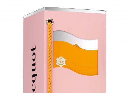 Packaging : Clicquot Flag pour le champagne Veuve Clicquot
