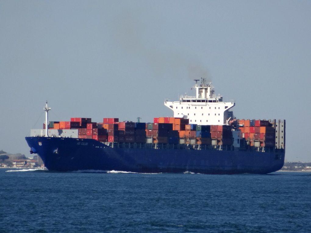 HS COLON , arrivant au port de Fos sur Mer le 14 avril 2016