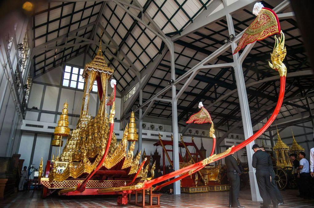Deuil national (8) - Fermeture du Grand Palais - Encore 3 semaines de préparatifs