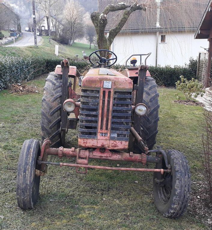"""Rencontres Improbables:  """"Old Tractor"""" à Nans sous Sainte Anne (...)"""