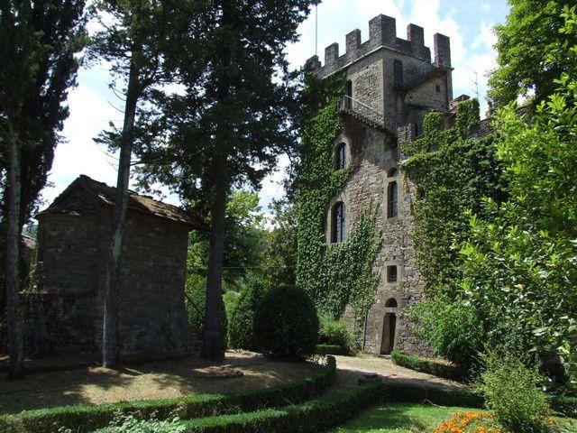 Diaporama du château et du Palagio de Stia