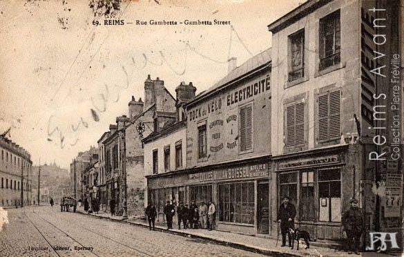 Rue Gambetta à l'angle de la rue des Moulins