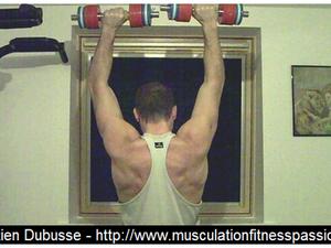 Les développés simultanés debout avec haltères, Sébastien Dubusse, blog Musculation Fitness Passion