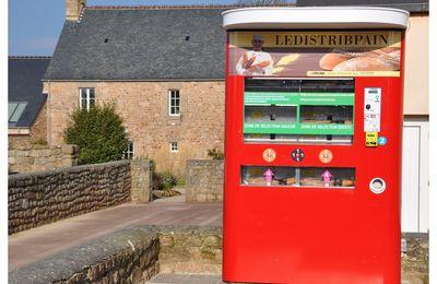 Vicq sur Mer :Distributeur de pain