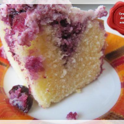 Poke Cake Citron-Myrtilles