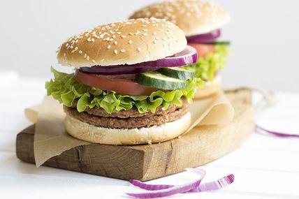 Des scientifiques révèlent un lien entre fast-food et maladies mentales
