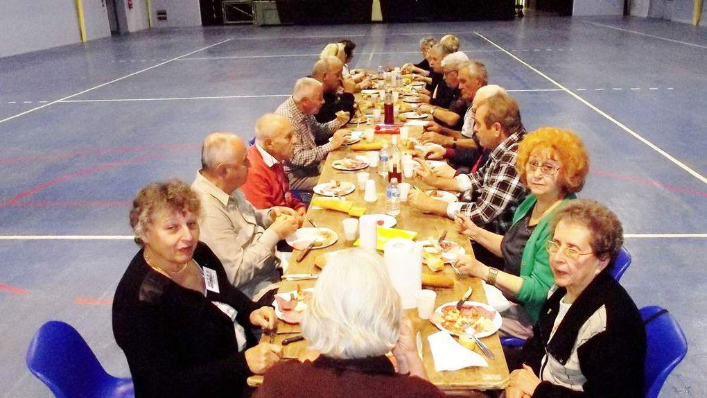 16 rangées de tables pour ce 3ème VIDE GRENIER des Dames d'Entraide.
