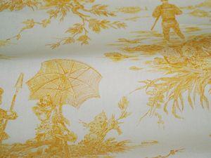 Histoire d'eau coloris jaune et fond moutarde