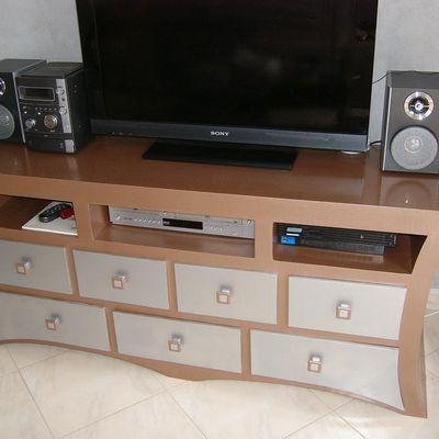 le meuble télé est fini !!!!!