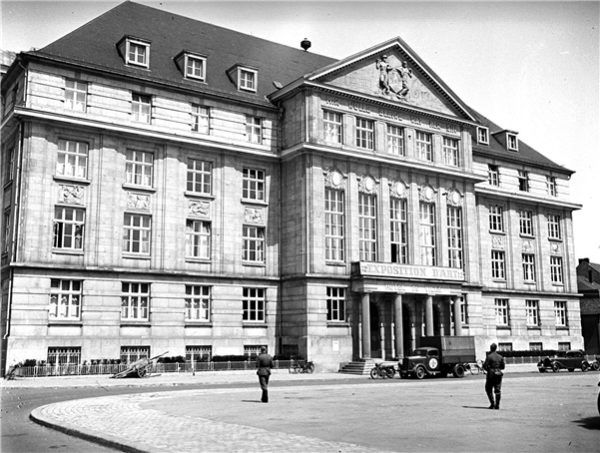 L'historien Valentin Schneider a mis la main sur des photographies inédites du passage de la Wehrmacht au Luxembourg.