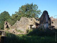 Une des maisons en ruine du village...