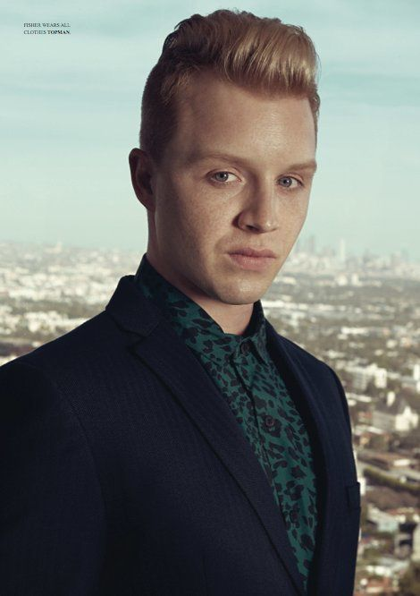 Noel Fisher pour A Fashionisto