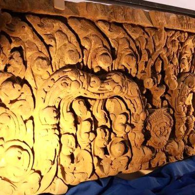 Deux pièces d'art khmer rapatriées en Thaïlande.