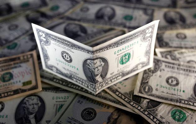 Dolar AS Menguat Ditengah Kekhawatiran Pembatasan Global Lanjutan