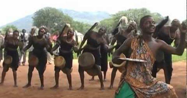 Imágenes de los artistas wagogo de Tanzania.- El Muni.