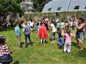 REVA : les enfants ont joyeusement ouvert les 4 jours du festival