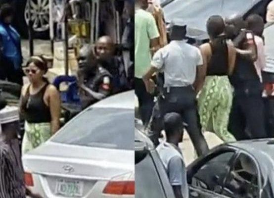 NIGERIA  :  Une dame arrêtée après avoir prétendument volé un iPhone et l'avoir caché dans sa partie privée (vidéo)