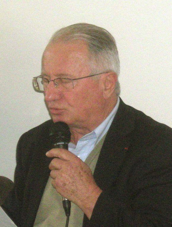 Images de la journée d'information semi-interne de l'UDB organisée à Vannes, le 19 novembre 2011, sur Notre-Dame-des-Landes et les systèmes de transpôrts, notamment aéroportuaires, dans lesquels il cet aéroport s'insère.