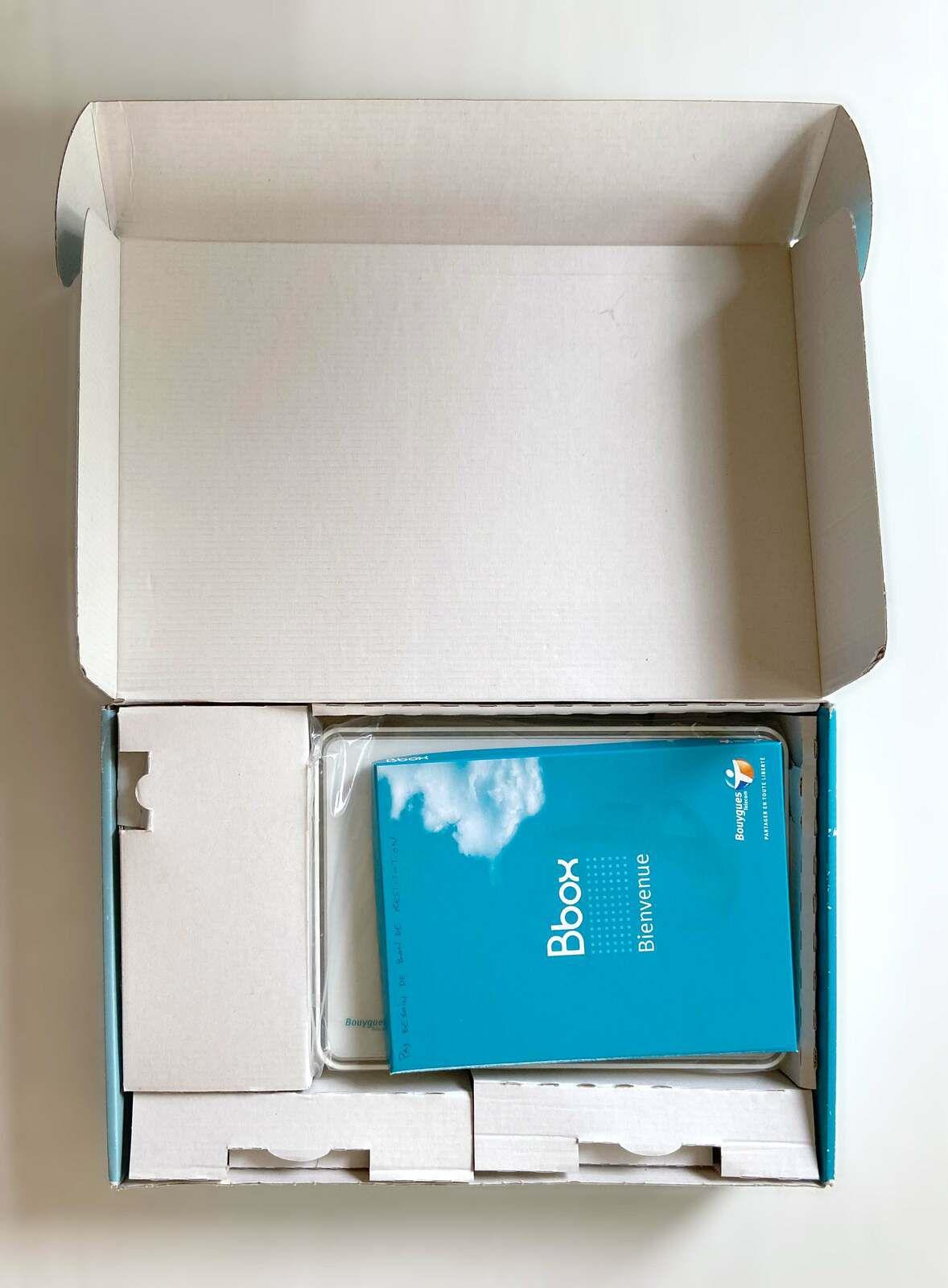 Ensemble modem routeur Bbox Sensation TG787 ou à la pièce TBE