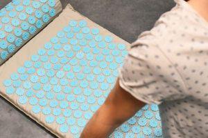 Comment soulager les douleurs avec un tapis d'acupression