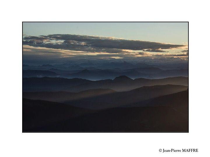 Du crépuscule au lever du soleil, un grand moment d'émotion et de sérénité devant tant de beauté.