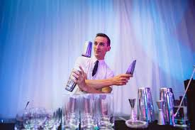Make Your Party Happenings by Hiring Flair Bartender Services