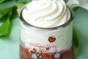 Fontainebleau aux fraises et rhubarbe - spécial fête des mamans