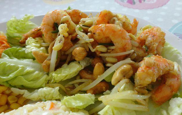 Crevettes poêlées pousses de soja et noix de cajou