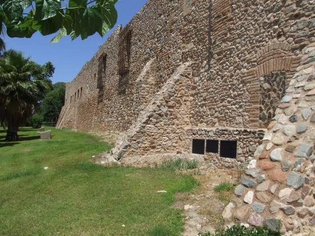 Diaporama château de Villafortuny puis une curieuse Tour