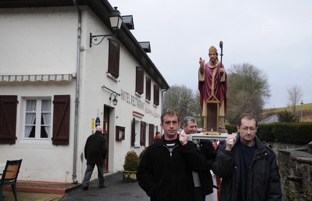 Selon une tradition qui remonte à plusieurs siècles, le petit village de l'Hôpital St Blaise a fêté son saint patron à l'occasion d'une messe solennelle suivie d'une procession