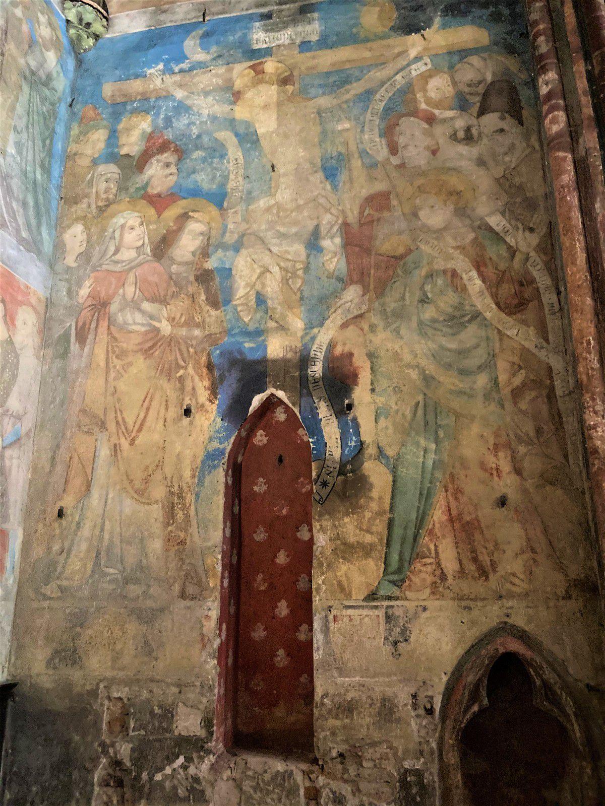 La niche vide dans la chapelle dédiée à Saint Jacques de Compostelle