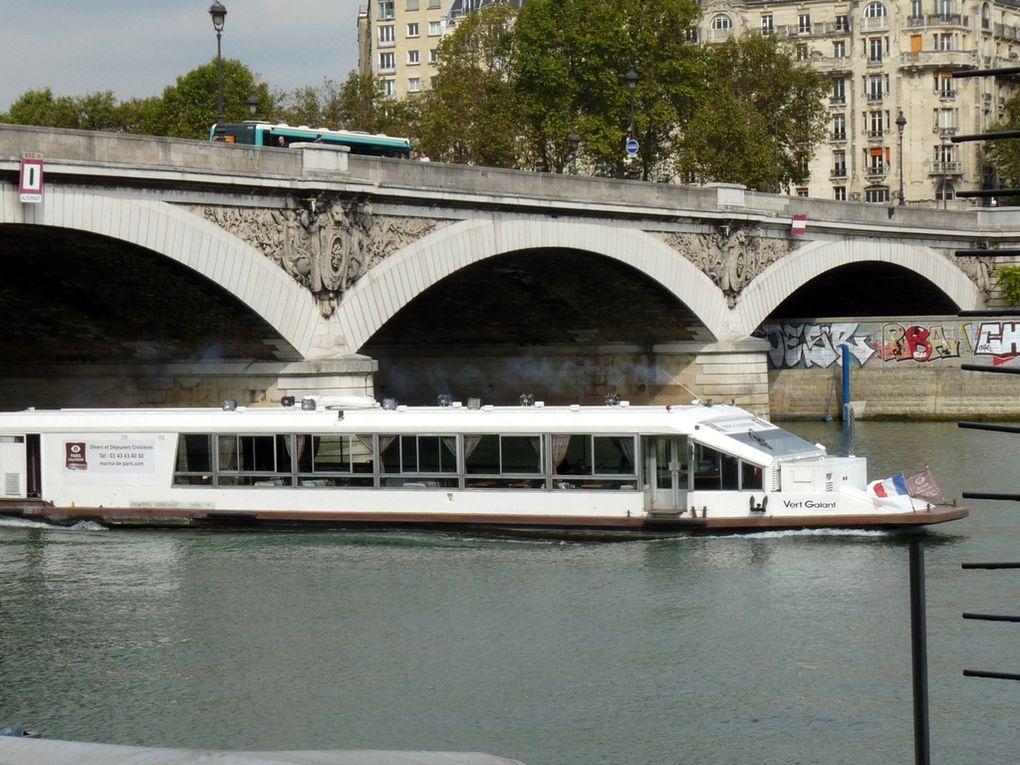 VERT GALANT , sur la Seine à Paris le 22 septembre 2016