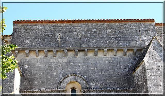 Diaporama église fortifiée de Contré