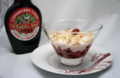 Coupe de fruits rouges et Skyr au sirop de Cranberry
