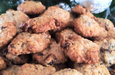 Petits biscuits aux raisins secs et aux flocons d'avoine