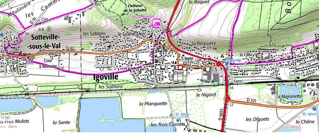Igoville dans un extrait de la carte topographique de l'IGN et accessible sur le site Géoportail. On peut localiser ici les lieux-dits cités dans notre texte et mesurer l'isoplèthe (la courbe de niveau) des 10 mètres d'altitude au-delà desquels, plutôt à l'abri des crues, les habitations se sont concentrées au fil des siècles.